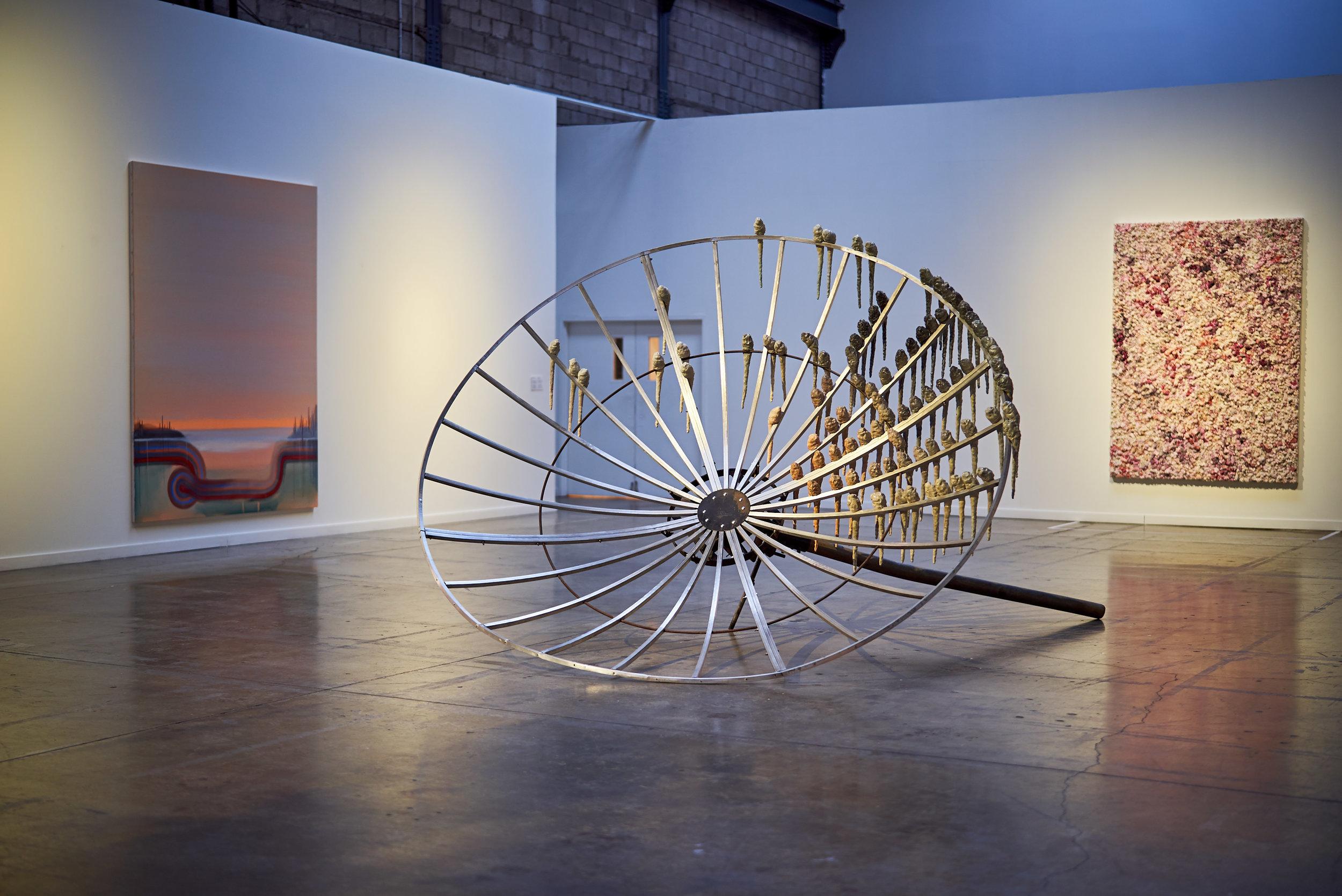 Kathleen Ryan ,  Satellite in Repose , 2018, Glazed ceramic, aluminium, steel, 123′′ x 92 ½′′ x 165 ½′′ (312,4 x 234,9 x 420,4 cm)