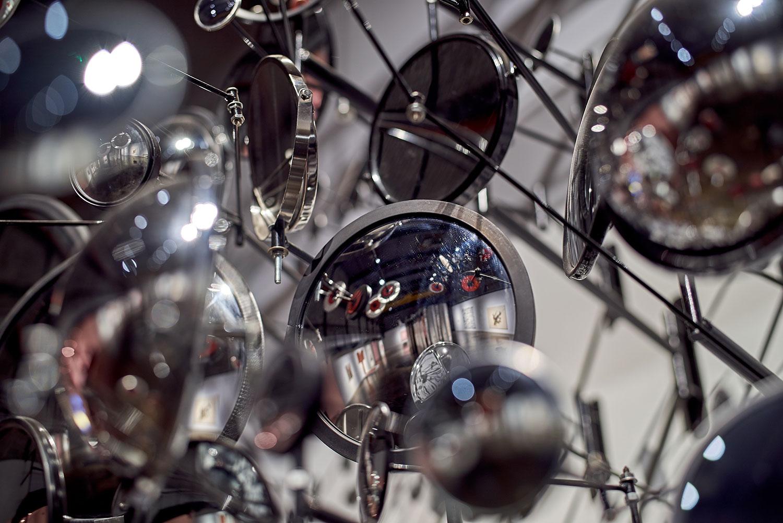 "Graham Caldwell ,  Compound Eye , 2008, Mirrors and steel, 92"" x 98"" x 50"" (234 x 248 x 127 cm) (Detail)"