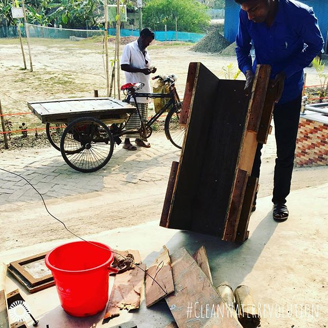 One of the cool things about our award-winning #woodmold is that after you are done building many #cleanwater #biosandfilters, the wood can be used as fire wood. This makes giving #cleanwaterforlife completely sustainable and good for the environment. #cleanwaterrevolution ⠀ ⠀ .⠀ .⠀ .⠀ .⠀ .⠀ #innovation #water #bsf #woodmoldbsf #woodmolds4life #cleanwaterforall #dirtywaterkills #makedirtywaterclean
