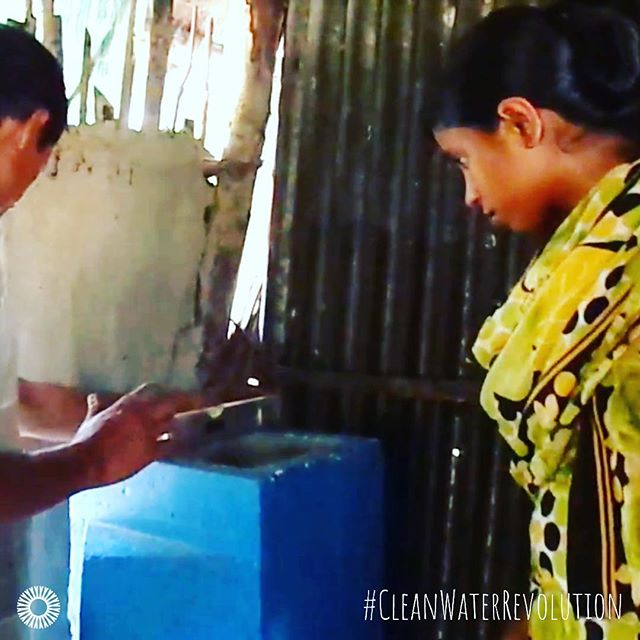 When we're putting a #woodmold #biosandfilter in someone's home, we take extra special care to make sure every little detail is just right. After all, we're giving a family #cleanwaterforlife! ⠀ .⠀ .⠀ .⠀ .⠀ .⠀ .⠀ #innovation #water #bsf #woodmoldbsf #woodmolds4life #cleanwaterforall #dirtywaterkills #makedirtywaterclean #cleanwaterrevolution