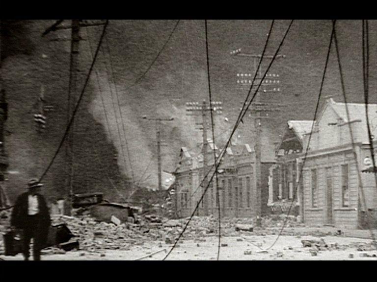 Stills_Large_Earthquake_10.jpg