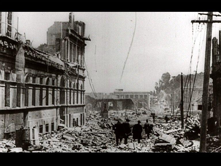 Stills_Large_Earthquake_13.jpg