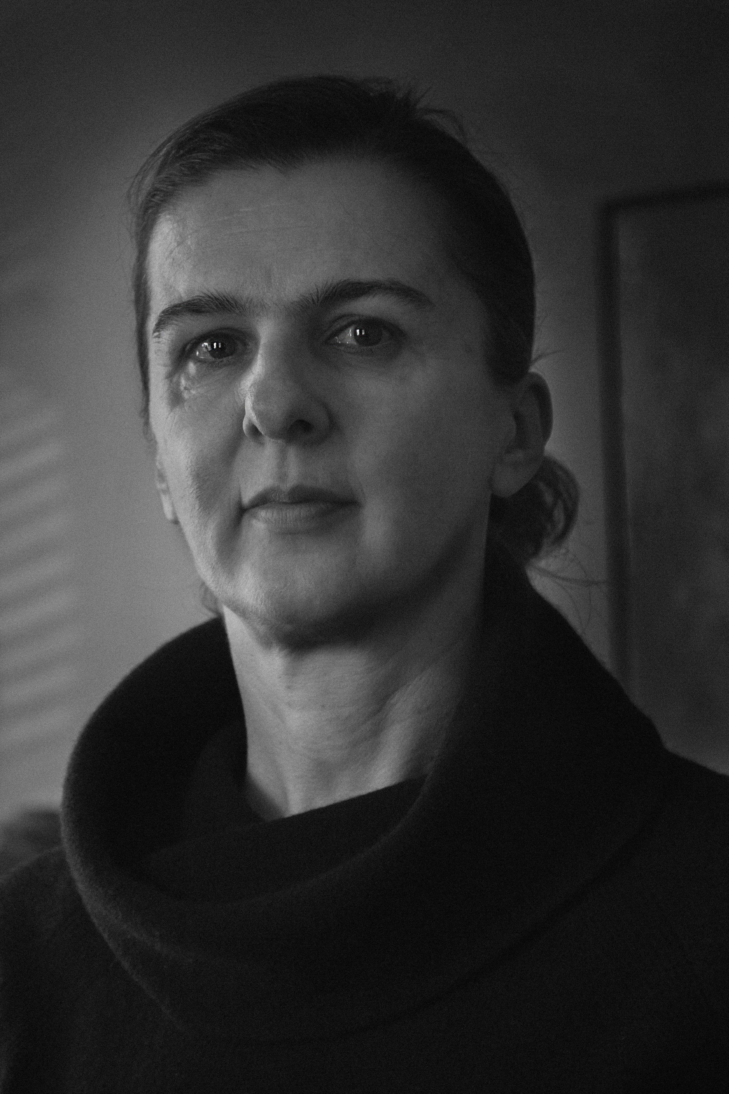 aida - portrait of mother