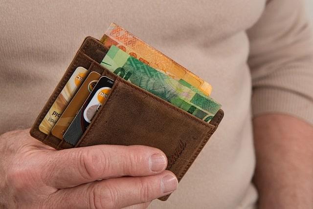 credit-card-debt-helps-score-frugal-finances-rating-loans.jpg