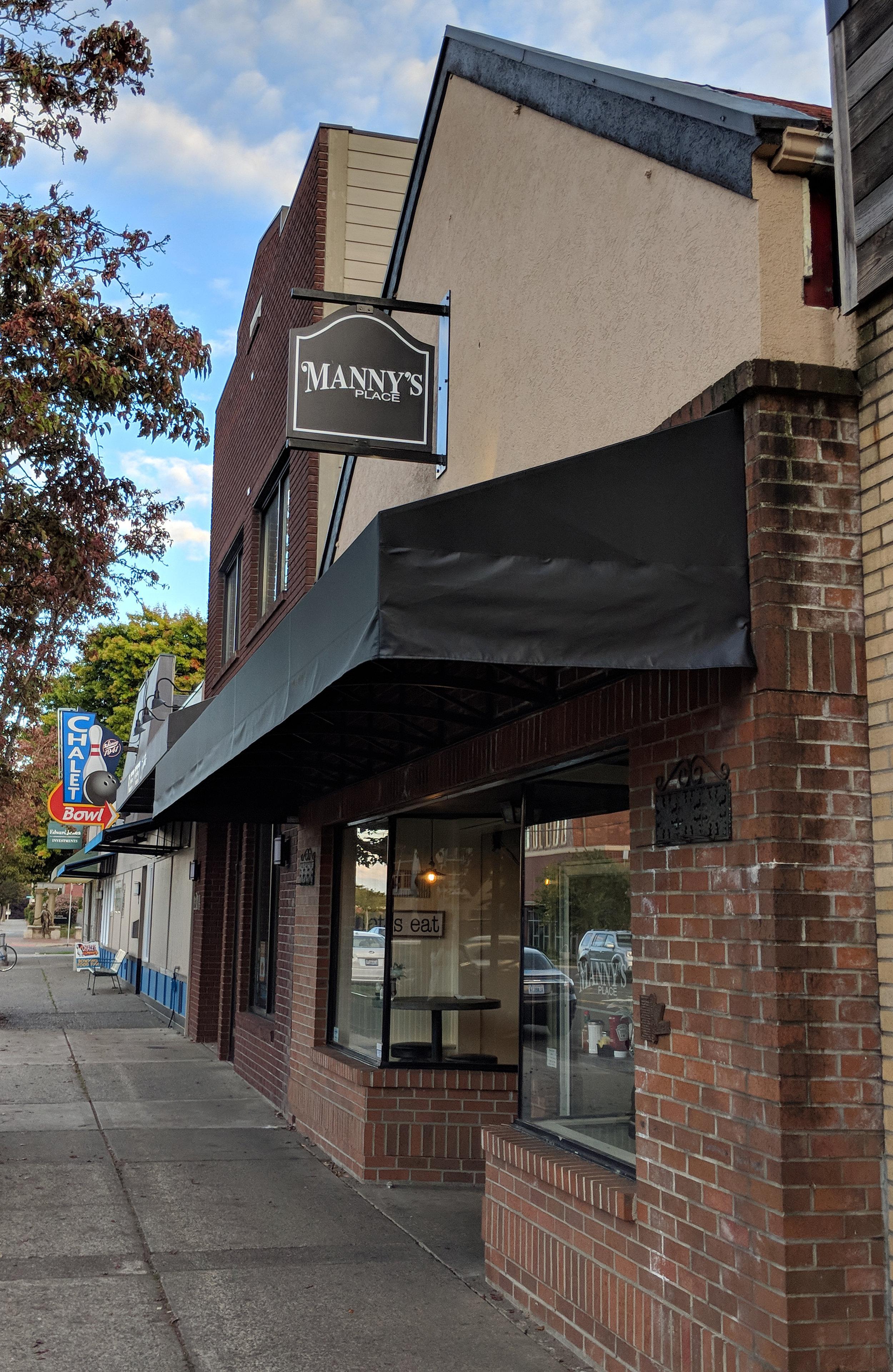 Mannys_Place_Tacoma_2.jpg