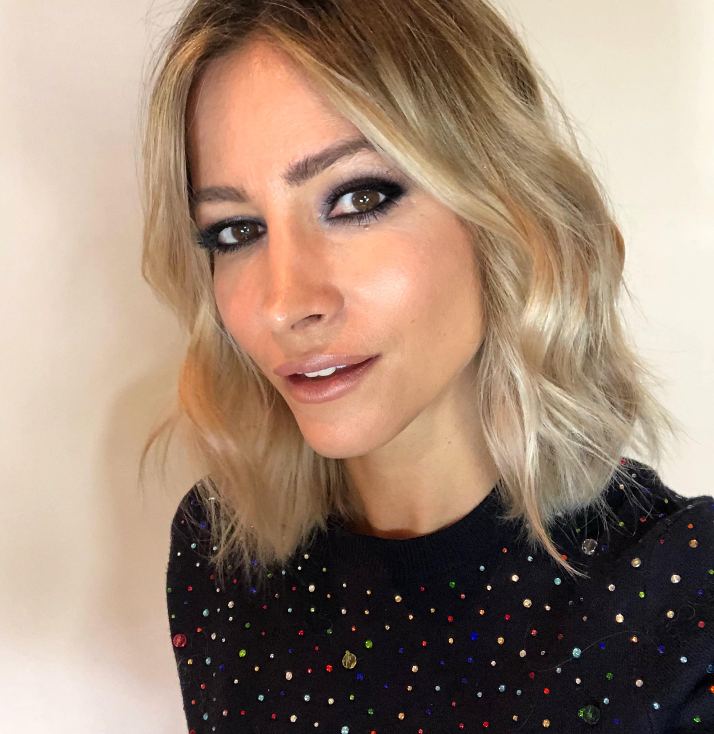 Zoe Karlis - Makeup & Hair Artist
