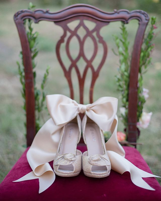 Something as simple as a pair of shoes can be so pretty.  Photo: @laurianafortuna Wedding Planner/Vintage Rentals: @cherie.weddings #appleseasonweddings #farmwedding #ranchwedding #weddingdetails #weddingshoes #weddingplanner #socalbride #socalweddingplanner #beautifulweddings #weddingdetails #herecomesthebride #greenweddingshoes #weddingideas #weddinginspiration #destinationwedding #cherierileyweddings