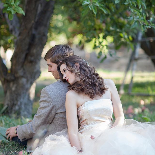 """Don't sit under the Apple Tree with anyone else but me"" Photo: @laurianafortuna Model: @girl_ofthe_glen Hair & Makeup @xcorixd Custom Gown: @cherie.weddings Venue: Private Estate #applepickingseason #applewedding #appleorchardwedding #weddingplanner #socalbride #socalweddingplanner #beautifulweddings #weddingdetails #herecomesthebride #greenweddingshoes #weddingideas #weddinginspiration #destinationwedding #destinationweddingplanner #aisleplanner #theknotweddingpro #theknot #fallweddings #fallweddinginspiration #vintageweddinggown #dreamywedding"