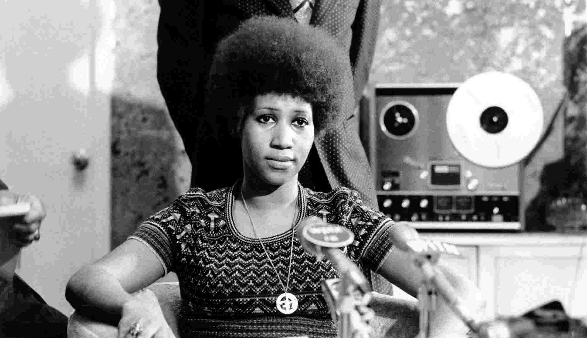Franklin - … pour Aretha Franklin et sa reprise de Respect, écrite à l'origine par Otis Redding, et extraite de l'album I Never Loved a Man sorti en 1967.