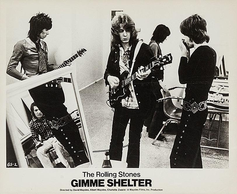 KEITH - … por Keith Richards, guitarrista de los Rolling Stones. Aquí la canción Gimme Shelter del álbum Let it Bleed, publicado en 1969, en pleno contexto de la guerra de Vietnam.