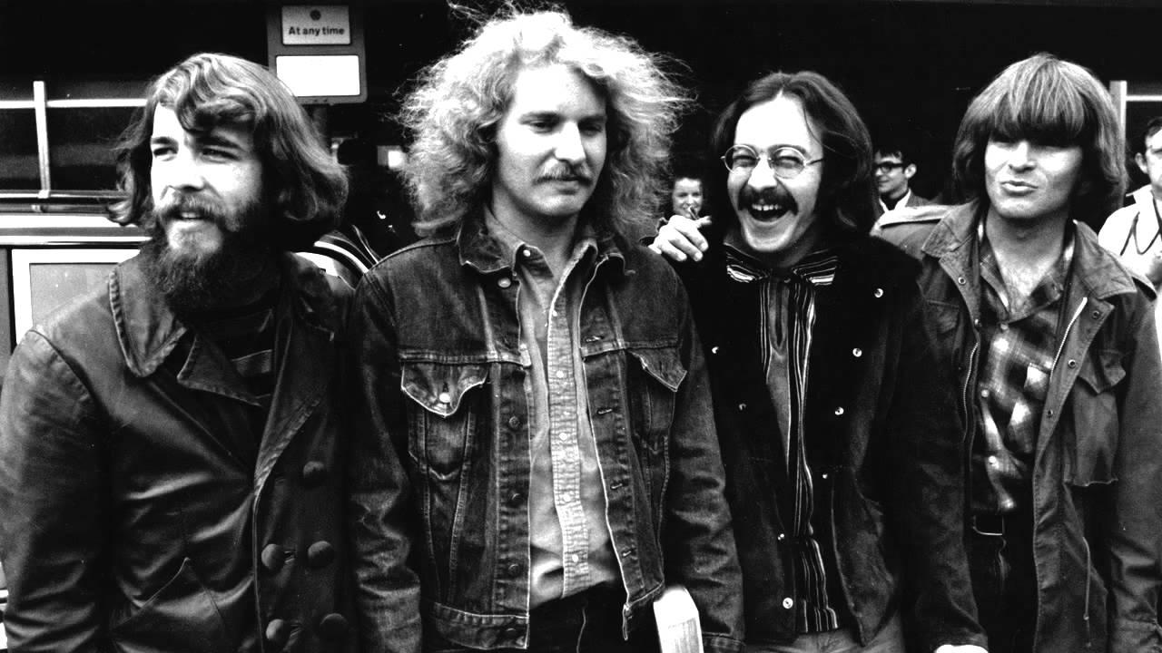 TOM - … por Tom Fogerty, uno de los guitarristas del grupo Creedence Clearwater Revival. Aquí, Fortunate Son, canción del álbum Willy and the Poor Boys, publicado en 1969, en pleno contexto de la guerra de Vietnam.