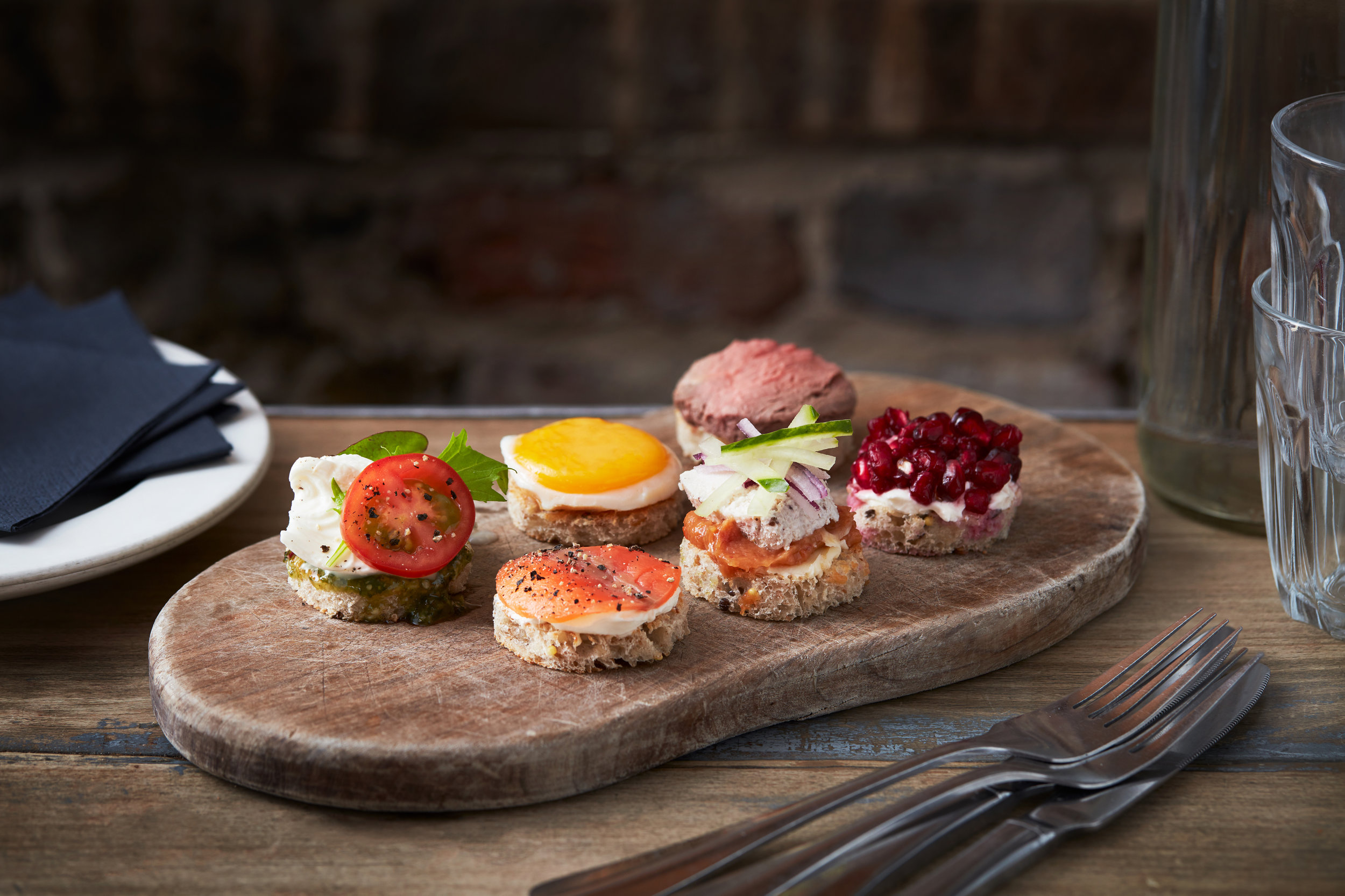 11_01_18_TheGrocer_Canapes_003.jpg