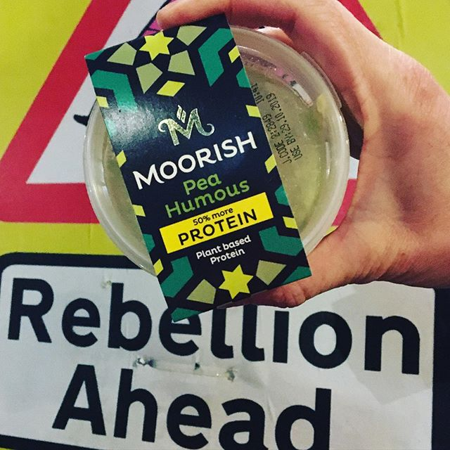 Thanks to guys at @moorishumous for donating a shed load of delicious and nutritious hummus to @extinctionrebellion. May the rebellion continue!