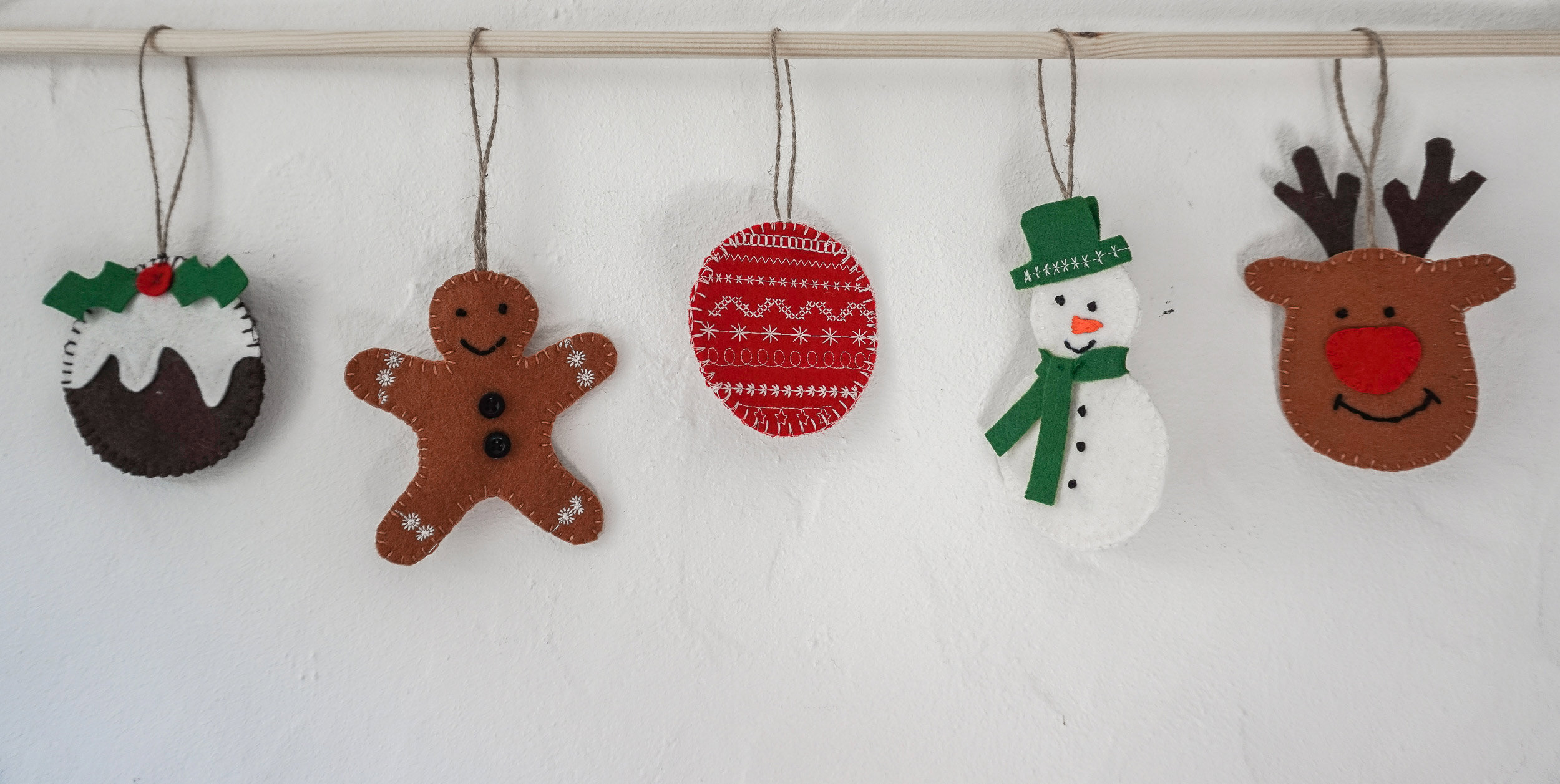 Diy Personalised Felt Christmas Tree Decorations Tutorial Dot N Cross Sewing And Pattern Cutting Classes In Falmouth Cornwall
