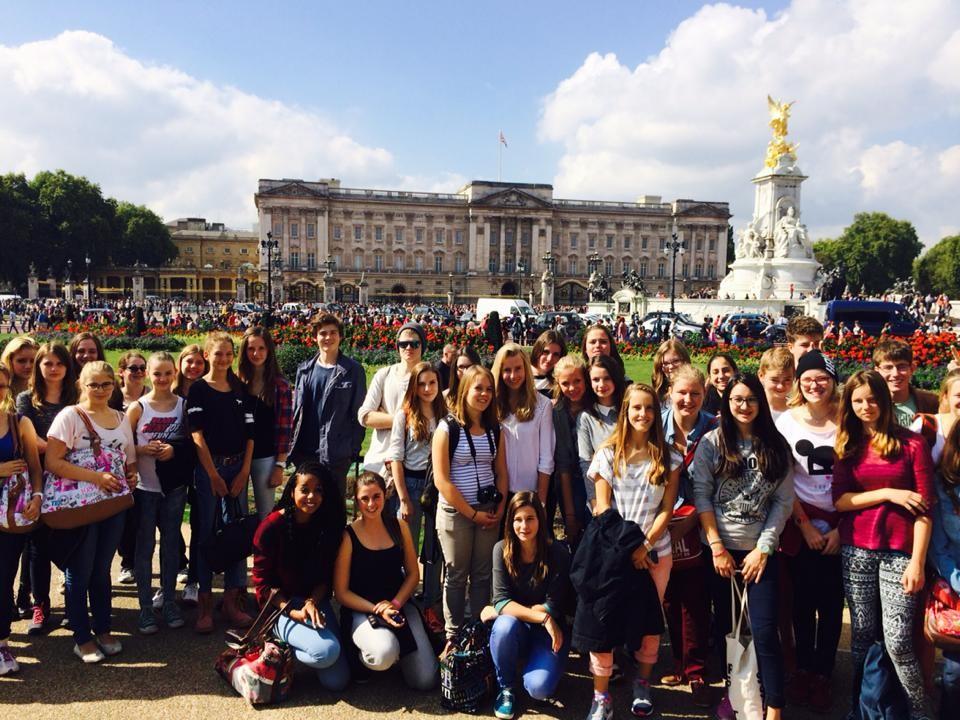 London_Group_Buckingham_Pic7.jpg