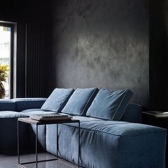 Love how the structures of the lime washed walls and velvet compliment each other #teal • • • #pastichestyle #statement #complimentary #structures #iam #interiordesigner #lovemywork #livingmydream #decoration #interior #velvetsofa #dark #walls #inspire #timeless #limewash #neveroutofstyle #hues #ofblue