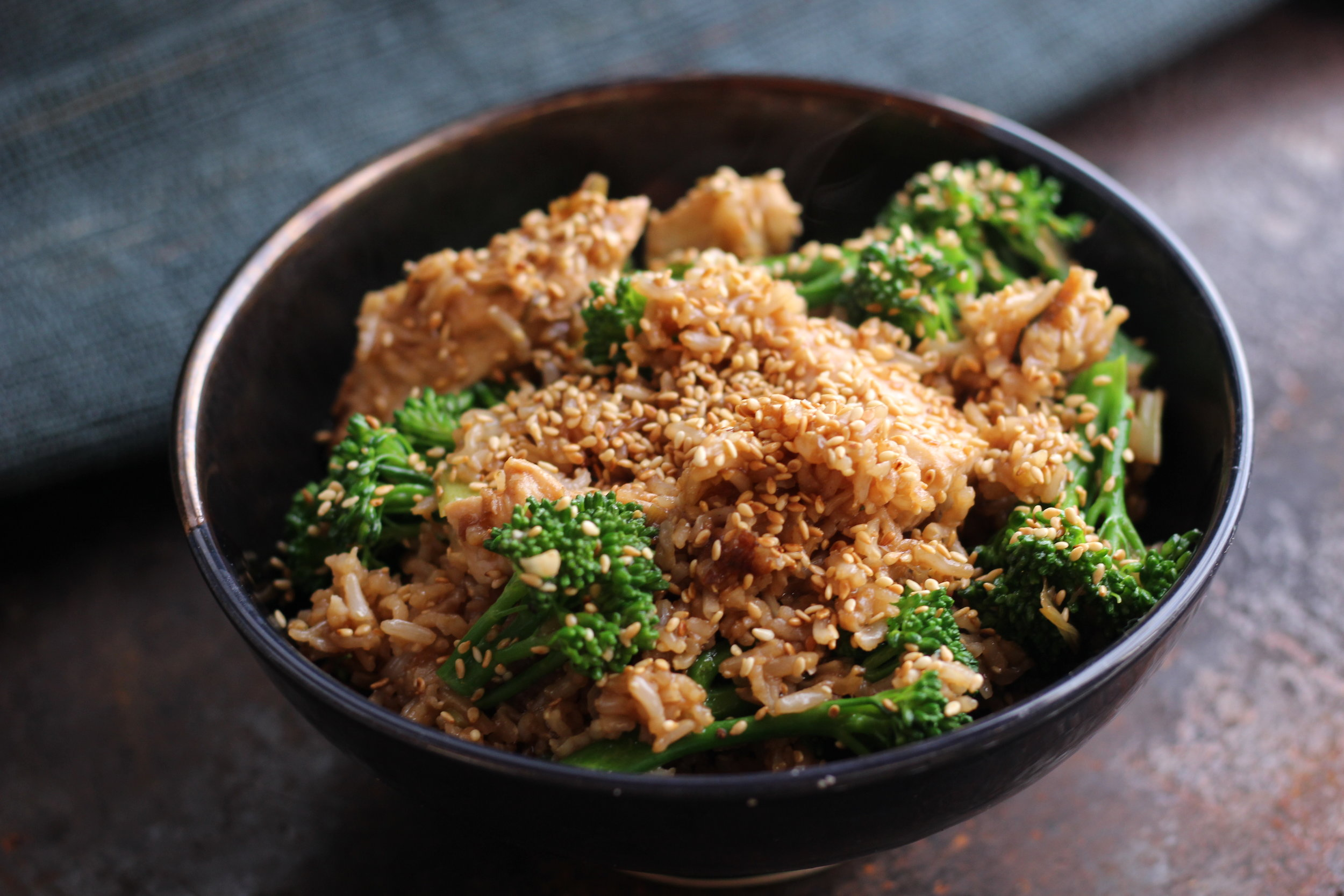 Quick, easy & deliciously healthy! Miso Sesame Chicken served in Rialheim Regal Bowl.