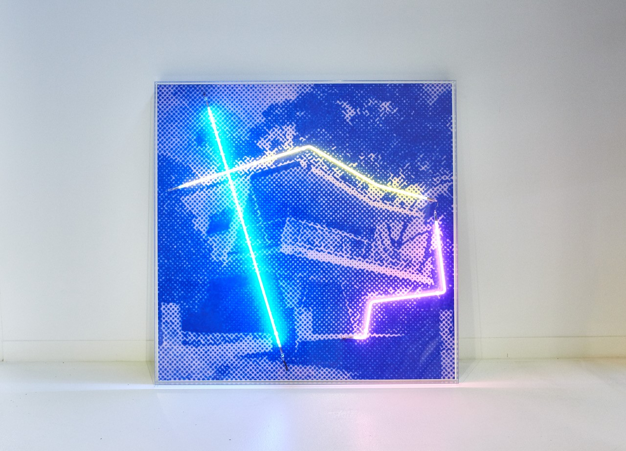 Butterfly House, 2018  Airbrush acrylic polymer and neon on dibond, acrylic frame 130x130cm