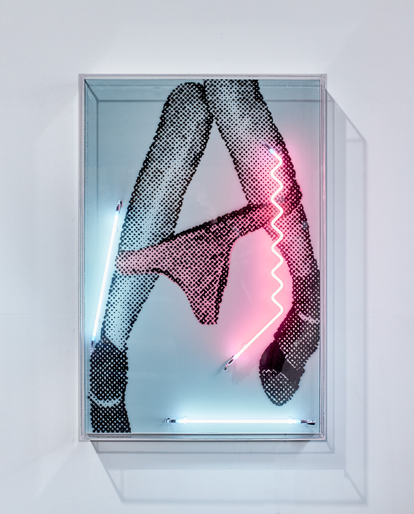 Drop 'em like it's hot (RIP), 2018  Airbrush acrylic polymer and neon on dibond, acrylic frame 80x120cm