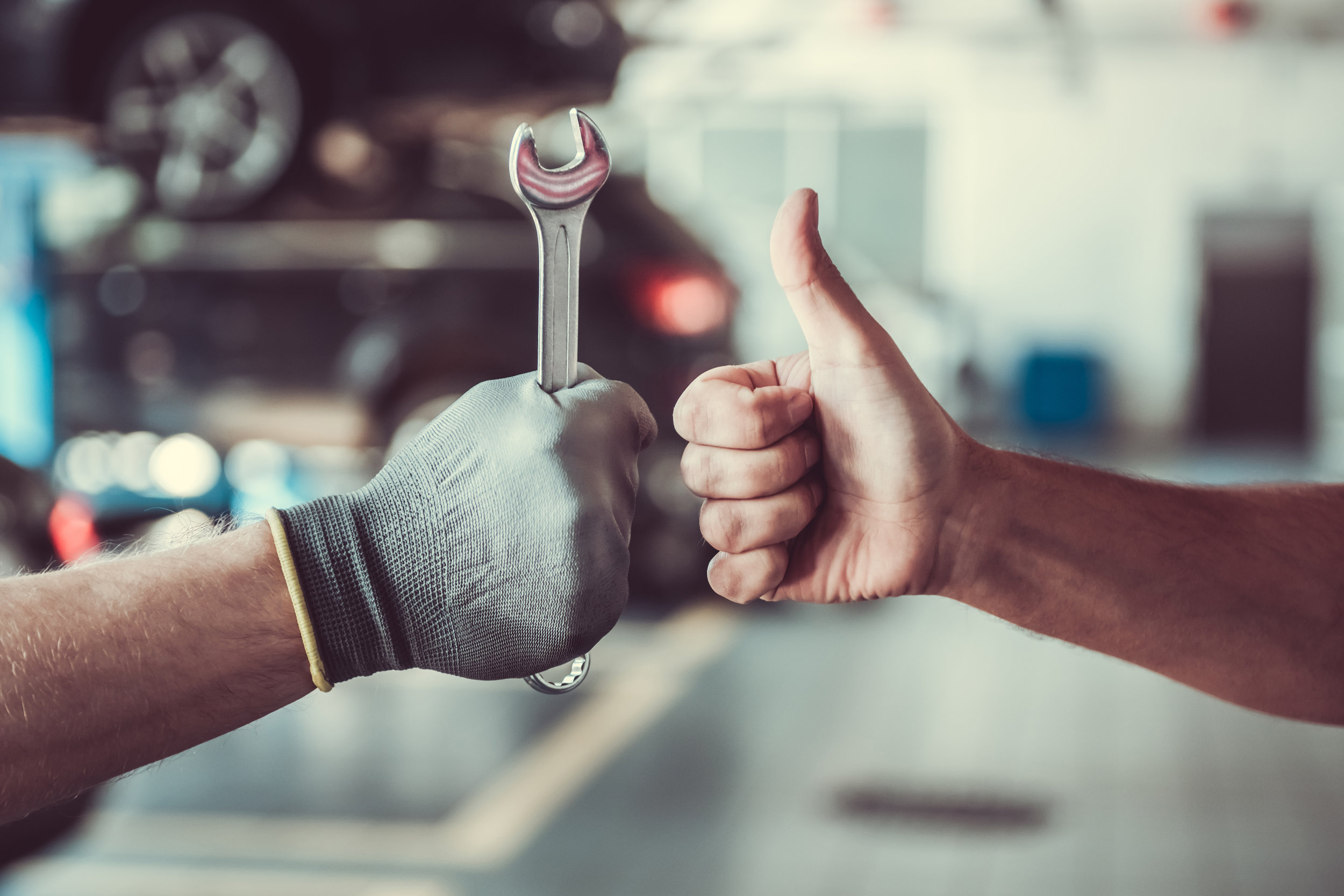 Family car body shop near Pittsburgh, PA with thumbs up reviews