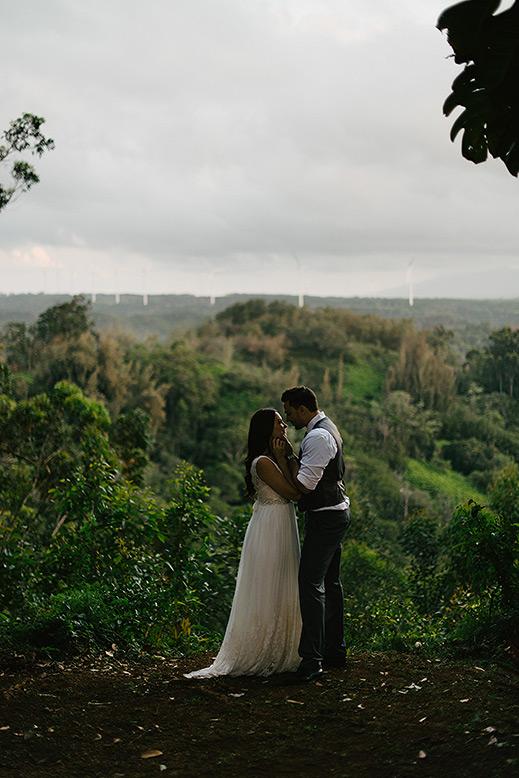 destination_wedding_photographer_hawaii_sunset_ranch_oahu25.jpg