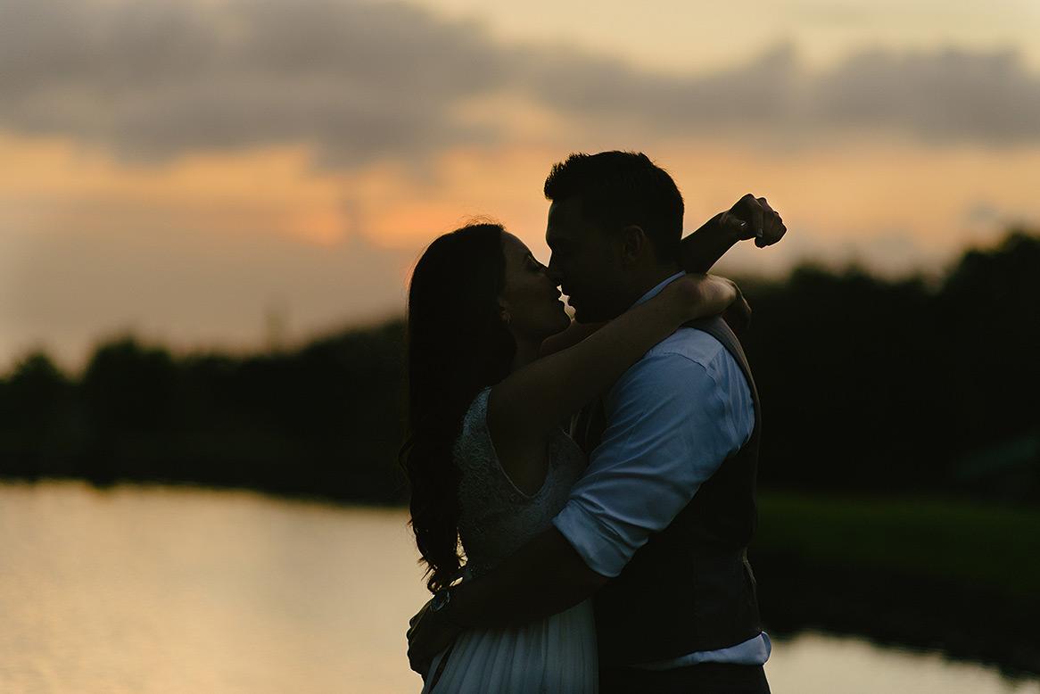 destination_wedding_photographer_hawaii_sunset_ranch_oahu26.jpg