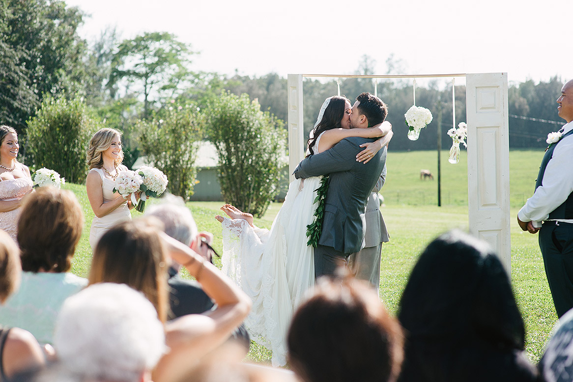 destination_wedding_photographer_hawaii_sunset_ranch_oahu12.jpg