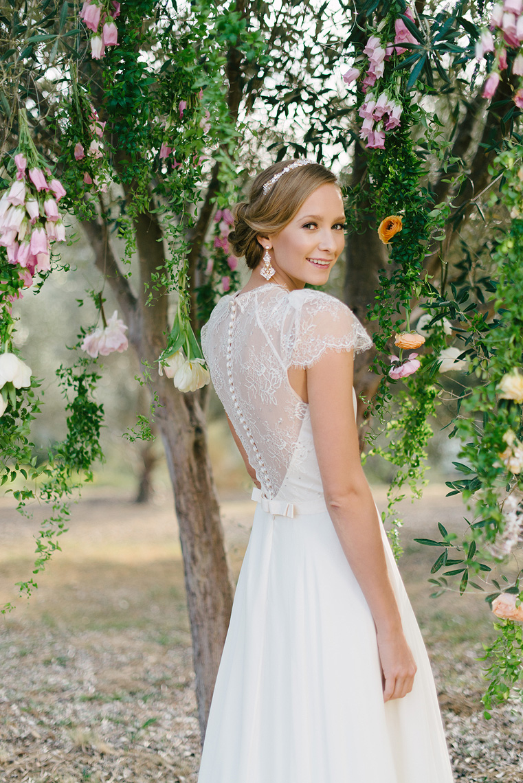 03-wedding-gown-inspiration.jpg