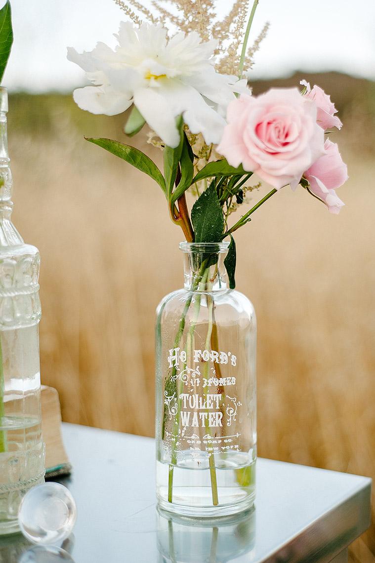 john-schnack-photography-san-diego-wedding-inspiration-shoot-back-country-vintage-wedding-09.jpg