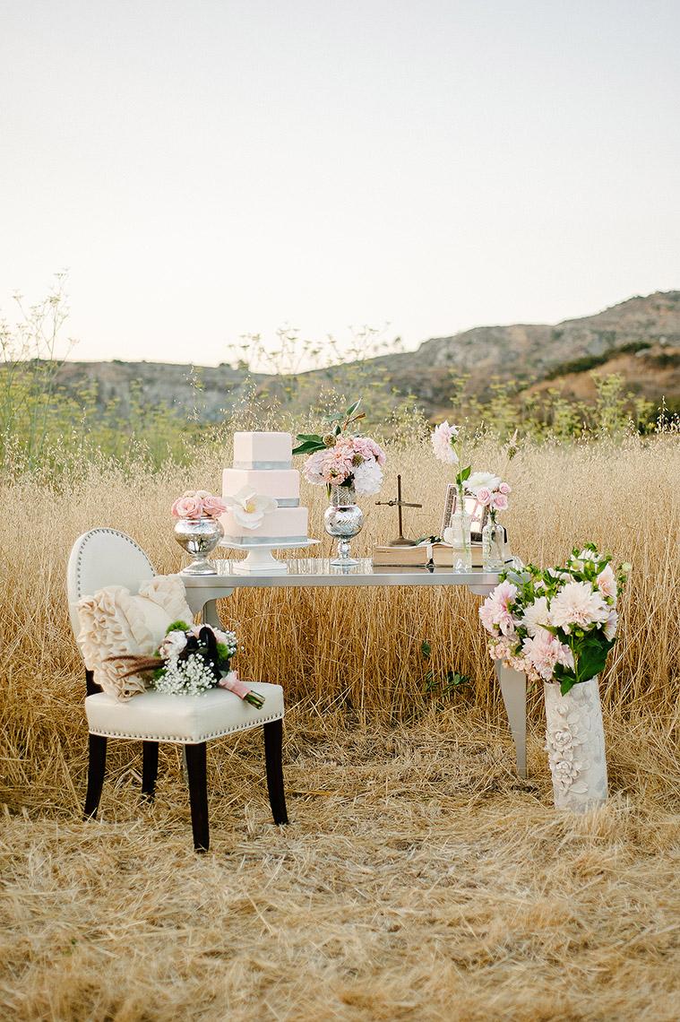 john-schnack-photography-san-diego-wedding-inspiration-shoot-back-country-vintage-wedding-11.jpg