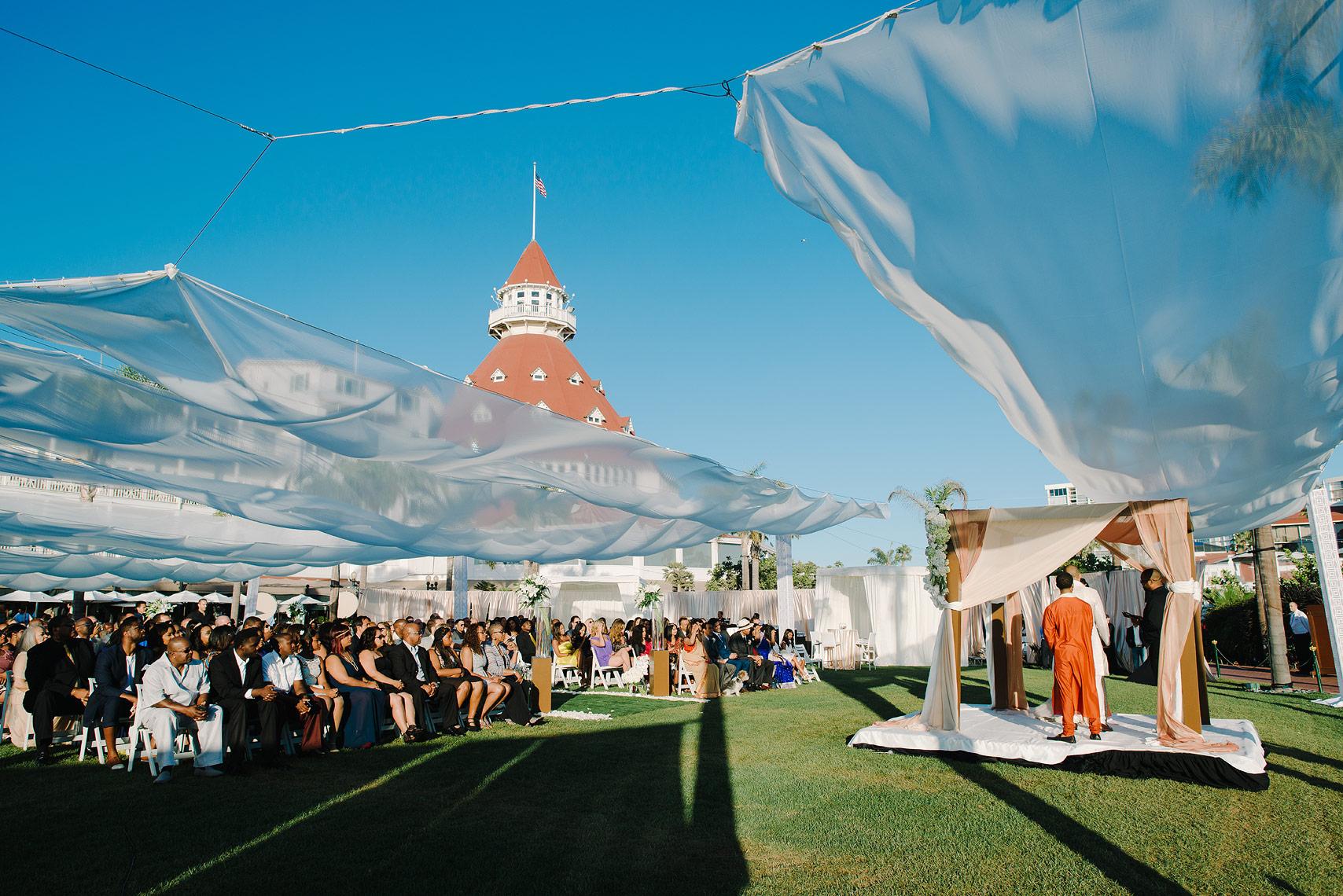 12-hotel-del-coronado-celebrity-wedding.jpg