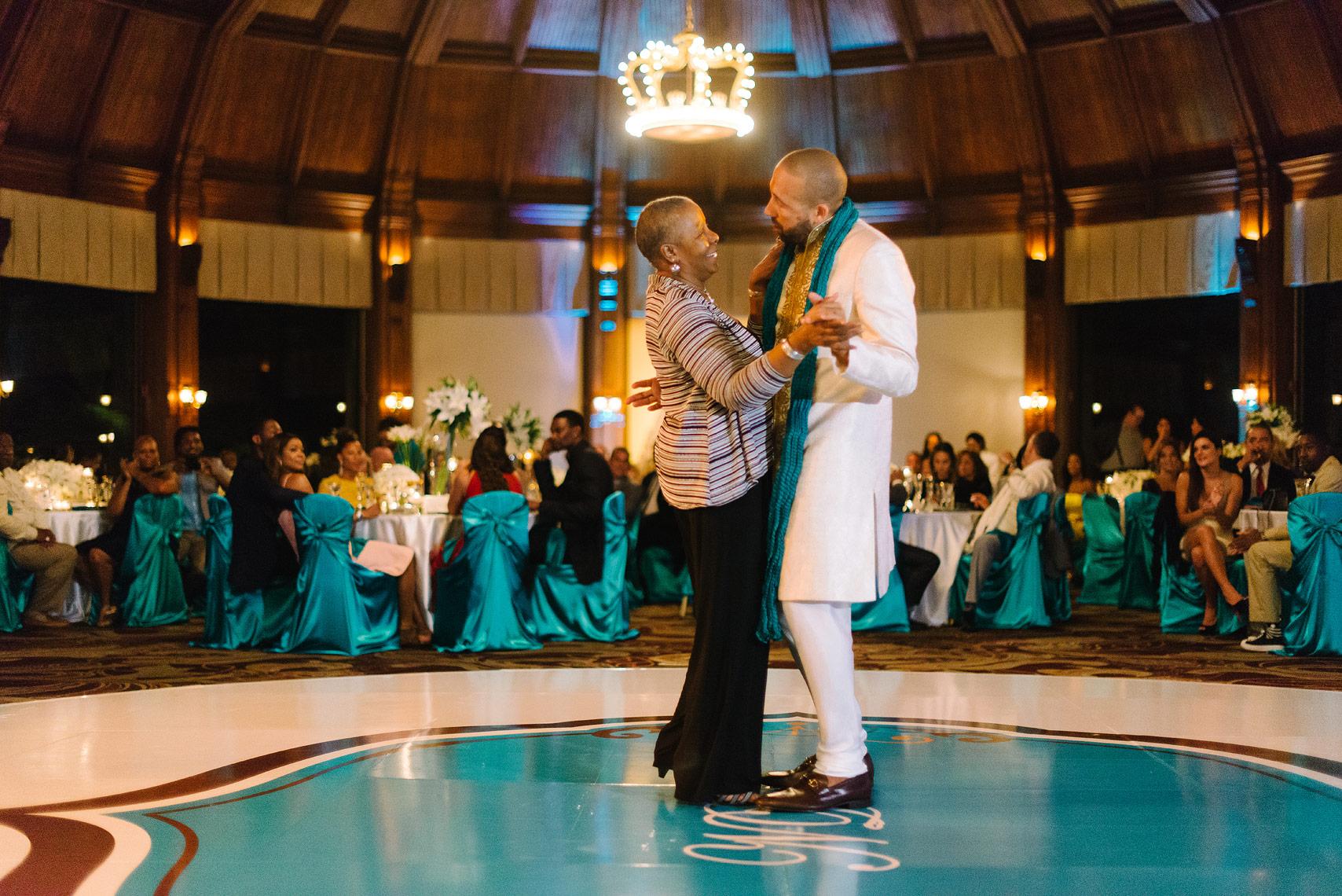 27-hotel-del-coronado-celebrity-wedding.jpg