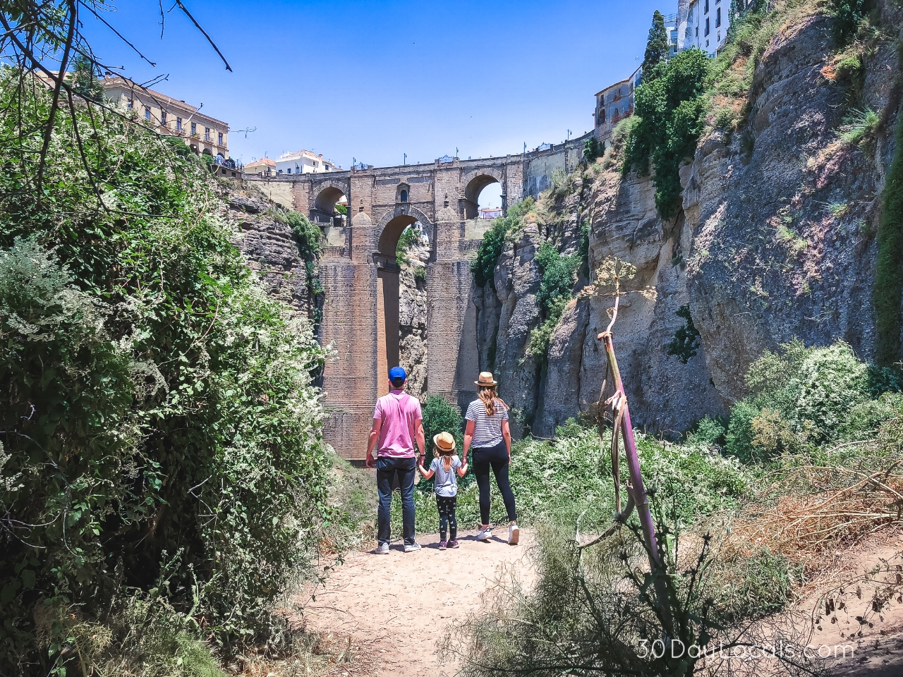 Road trip through Andalusia Spain on your next family vacation. Tips on where to say and what to see on a long weekend.