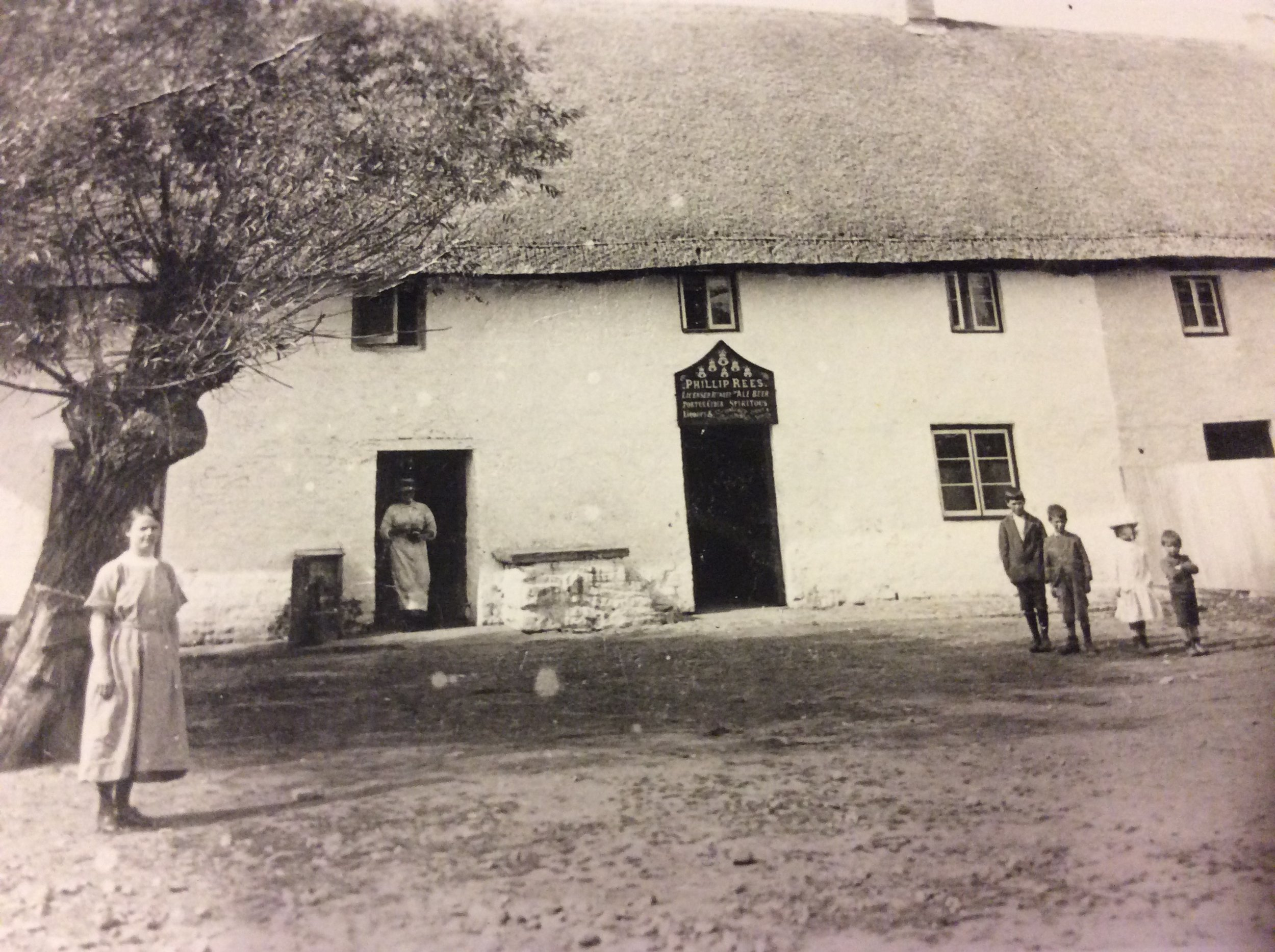 Carole Newton Six Bells Peterstone c 1919.JPG