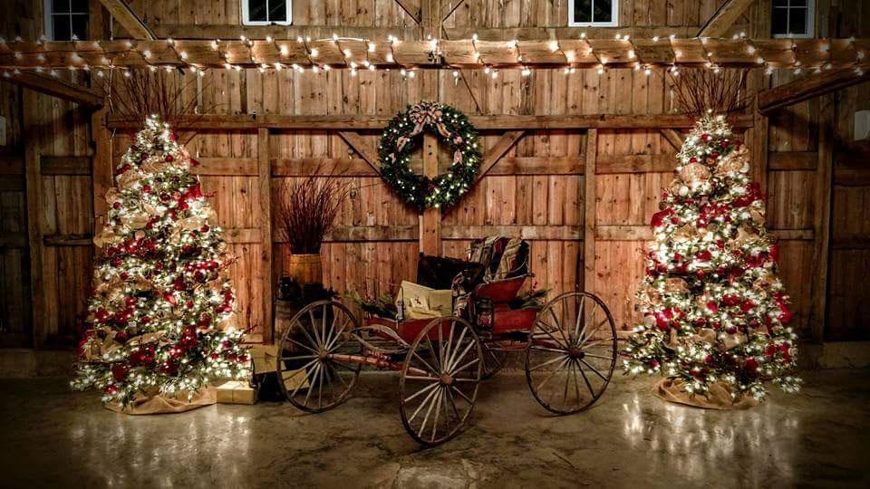 ChristmasBarn-Inside.jpg