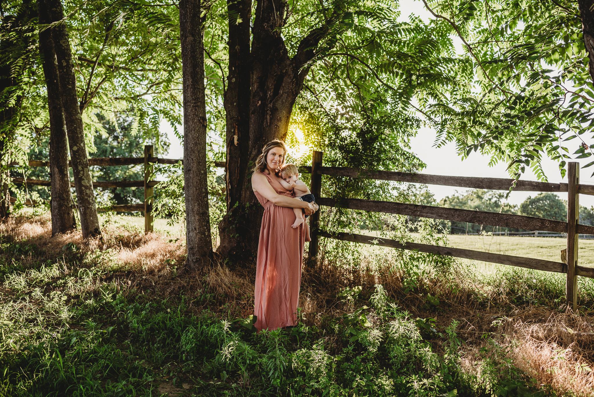 Julie.Fam.web1.jpg