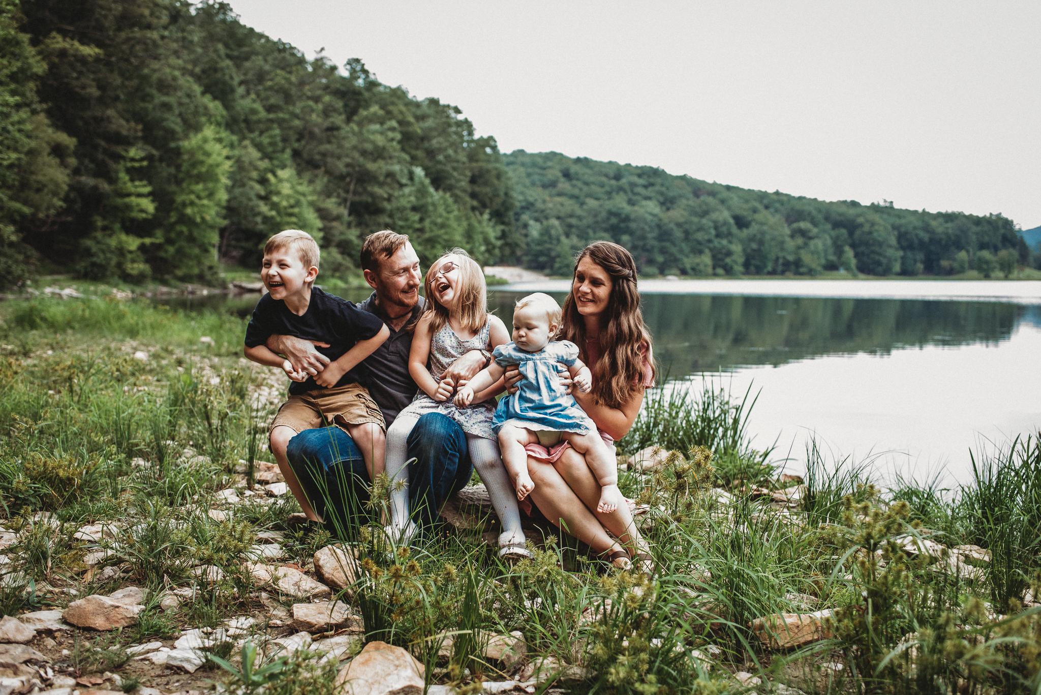 HannaSchauppner.family.Sept2018.Web-9.jpg