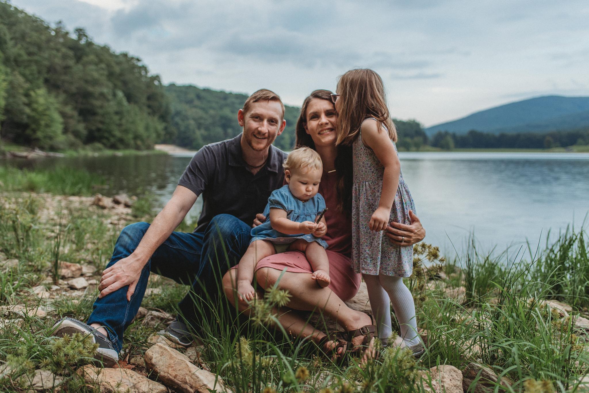 HannaSchauppner.family.Sept2018.Web-14.jpg