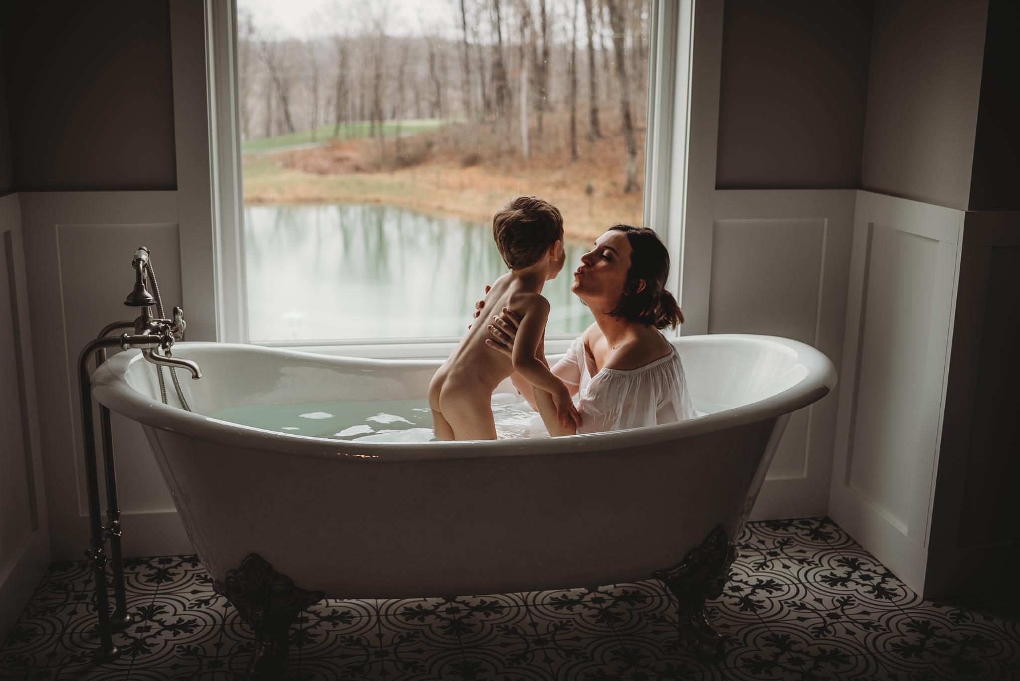 DanielleJohnson.Maternity.Dec2018.Web-17.jpg