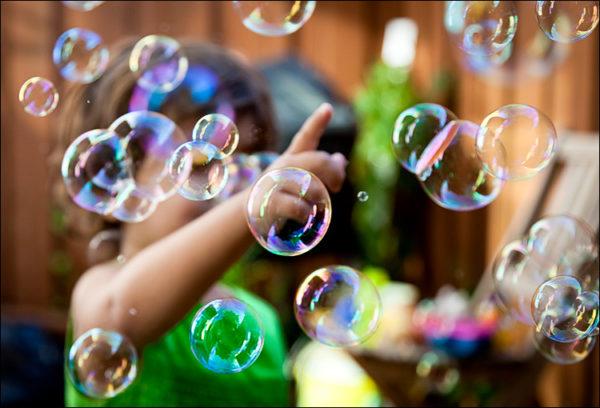 lilia_bubbles_backyard_01-600x408.jpg