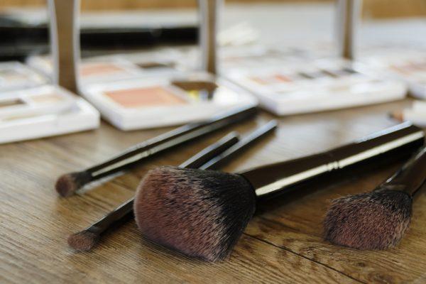 cosmetics-2097507_1280-600x400.jpg