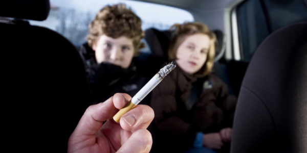 kids-car-smoking-600x300.jpg