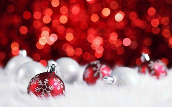 Beautiful-red-Christmas-ornament-600x375.jpg