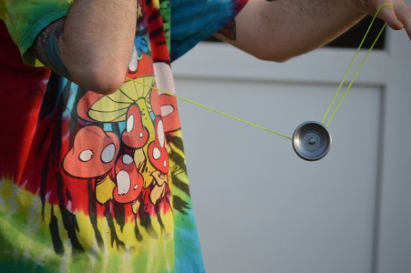yo-yo-929321_640-600x398.jpg