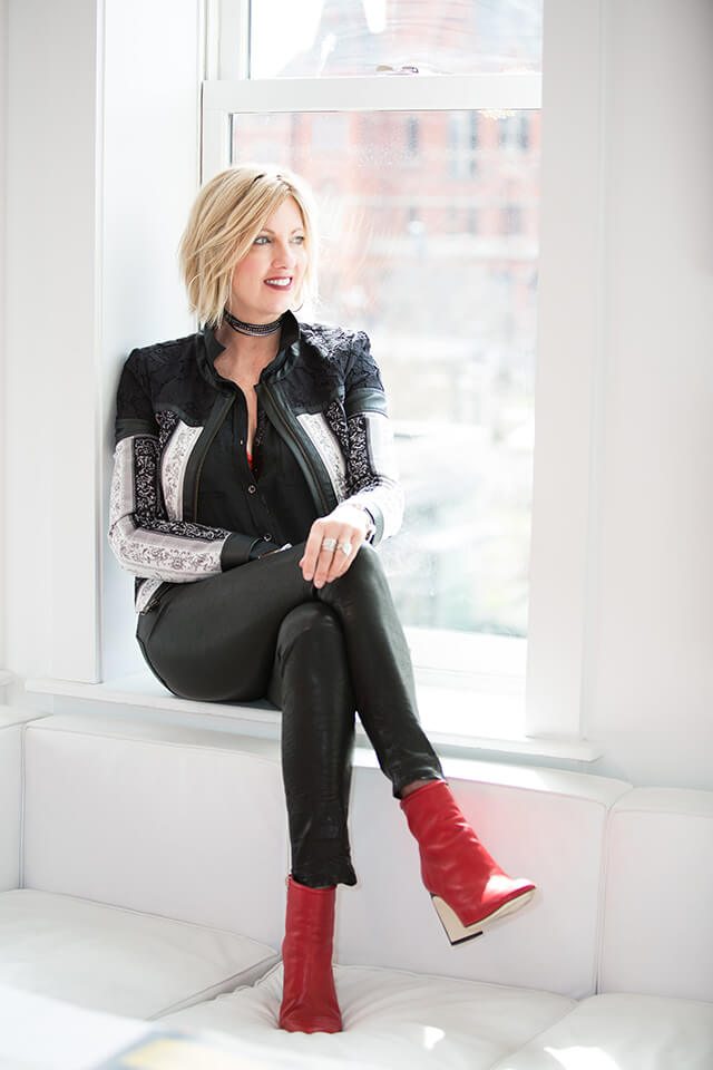 SARA BERNINGER -Founder & Principal Designer - Sara Berninger is founder and principal designer of Berninger Designs. Her global pulse of the latest industry trends pairs with an exclusive network of some of the most sought-after vendors in the world to ensure the end result is a distinct representation of her client's vision. Based in Cincinnati, Sara's designs can be found in some of the most elite homes and commercial real estate and office spaces in Cincinnati, Denver, Chicago, Cape Cod and Traverse City. Her award-winning designs have been featured in House Trends, Cincinnati Magazine and Houzz, among others.Contact: sara@berningerdesigns.com