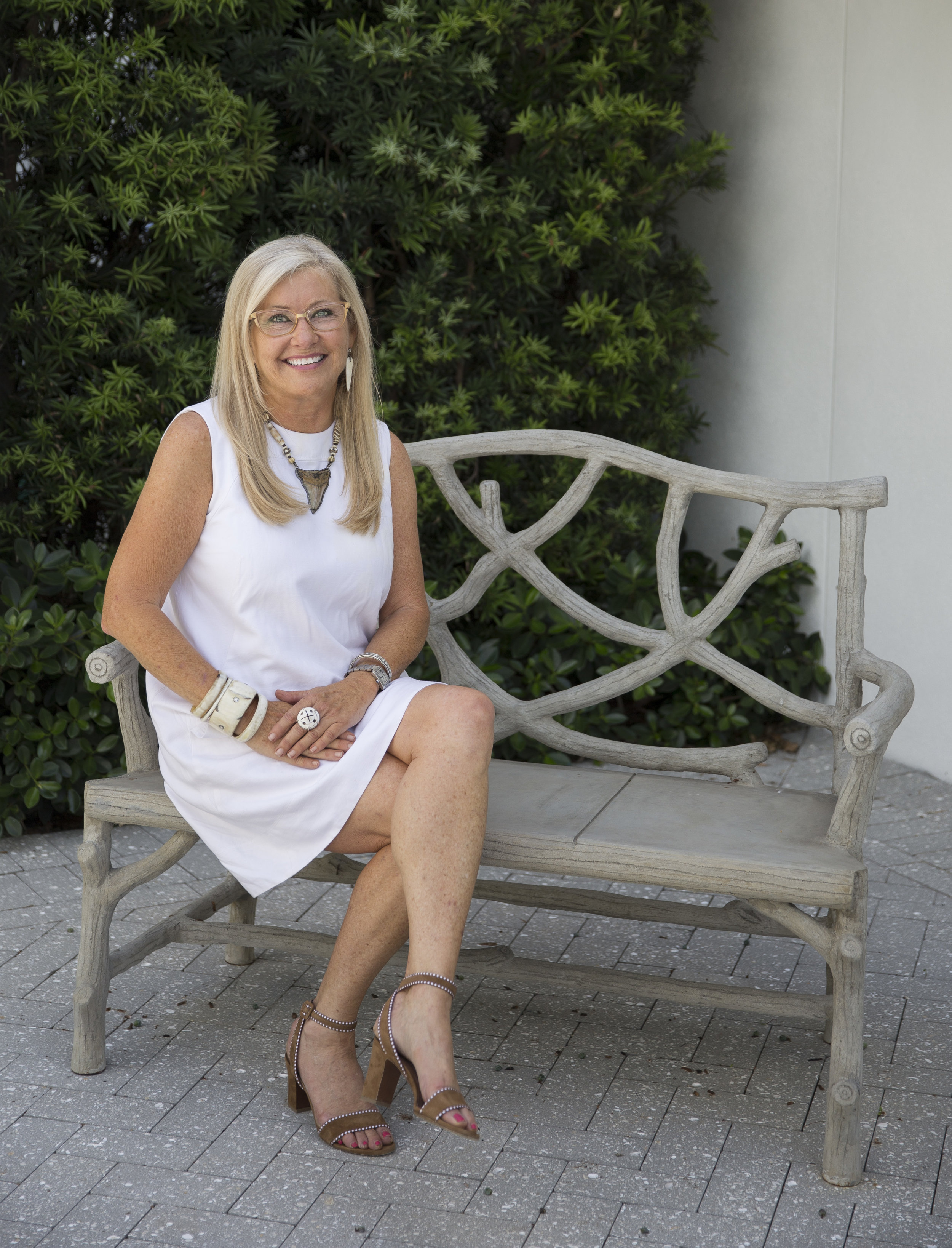 ABOUT JETT THOMPSON - OWNER & PRINCIPAL DESIGNERJett Thompson, sixth generation Floridian, earned her undergraduate degree in Fashion Merchandising from The Florida State University before beginning a twenty-five year career in the home furnishing and design industry in Atlanta, Georgia. In 2012, she came home to open Jett Thompson Antiques and Interiors in Old Naples.Following five successful years in her original location Jett moved her business one block north, doubling the retail space, renamed Jett Thompson HOME, and creating a separate interior design studio. The two buildings surround a private courtyard utilized for speakers, book signings and community events.Jett has accessorized rooms for Ralph Lauren Home and her previous boutique openings include Atlanta, St. Simons Island, and Englewood, FL before bringing her talents to Naples. A few of her nationally recognized interior projects include a luxury Bed and Breakfast in Colorado, a Ritz Carlton residence in Sarasota, along with private luxury homes in SW Florida, Palm Beach and New York.With her unique design aesthetic, Jett's work is celebrated for juxtaposing the organic with the refined, all with a twist of the unexpected.