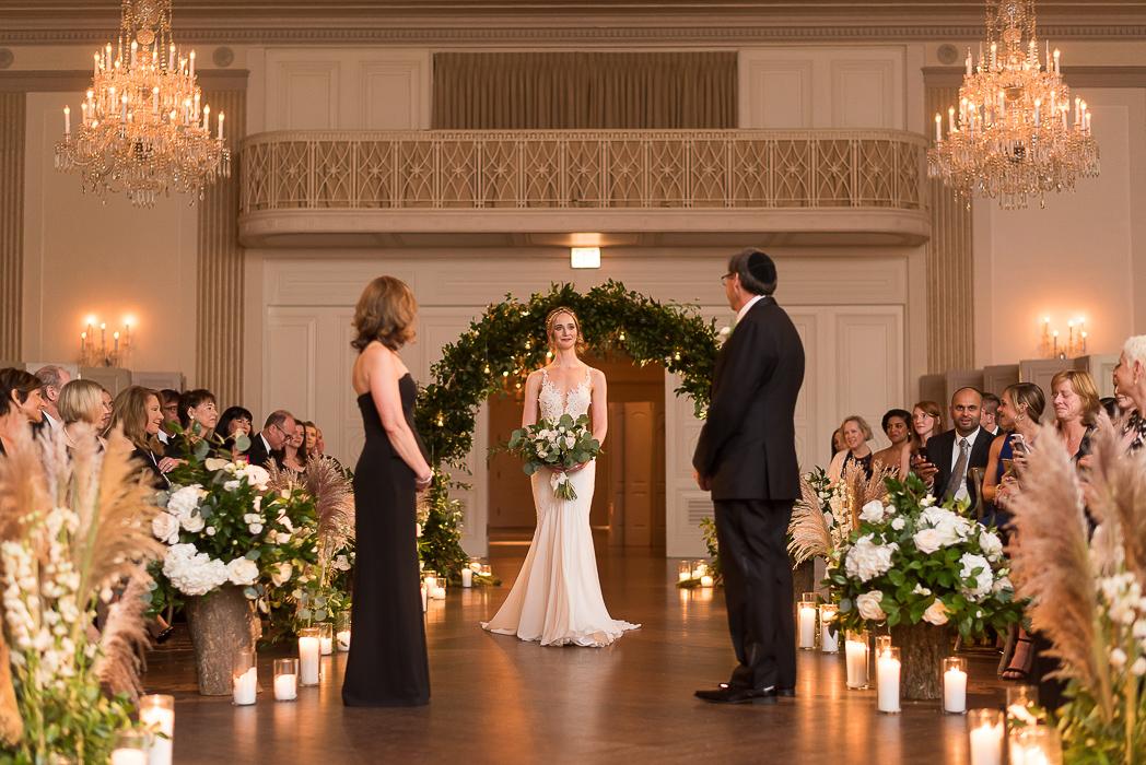 standard-club-chicago-wedding-photography-90-of-221.jpg