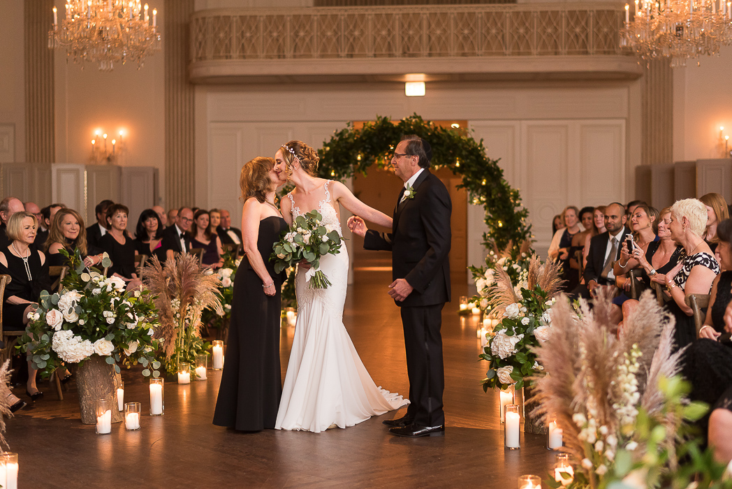 standard-club-chicago-wedding-photography-91-of-221.jpg