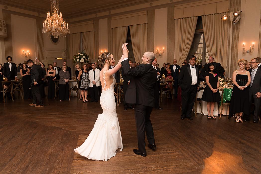 standard-club-chicago-wedding-photography-156-of-221.jpg