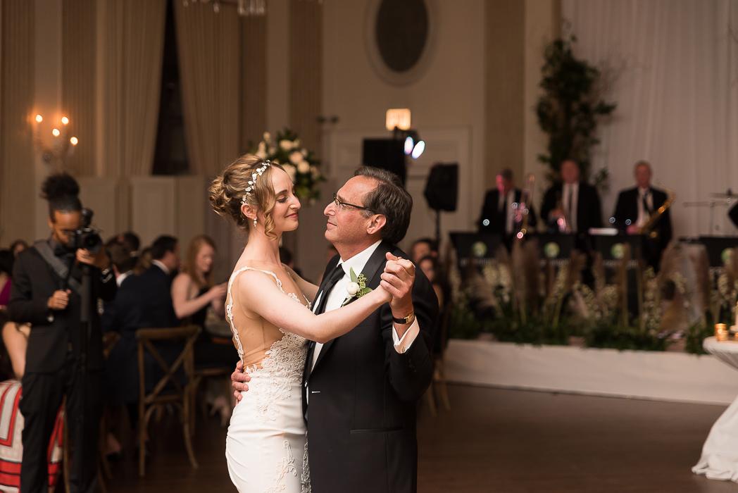 standard-club-chicago-wedding-photography-179-of-221.jpg